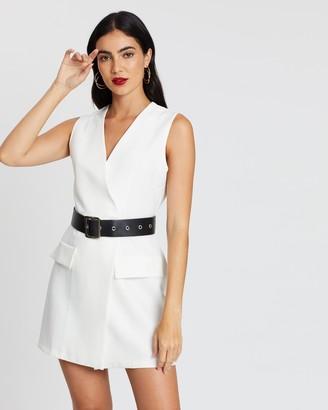 boohoo Sleeveless Contrast Belted Blazer Dress