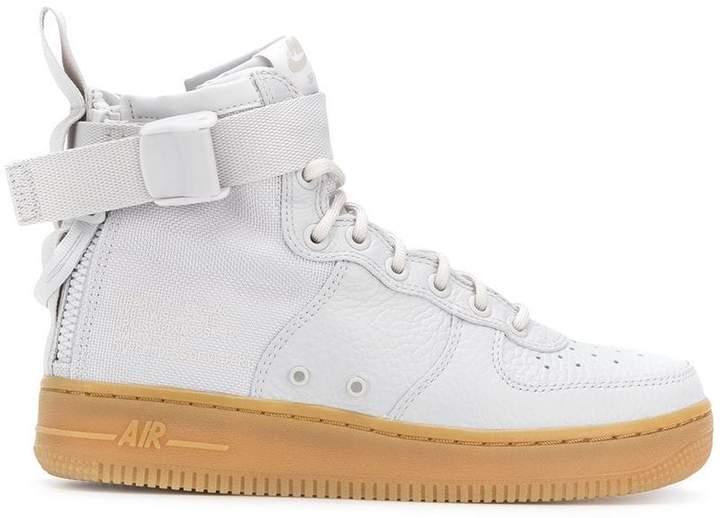 Nike SF Air Force 1 sneakers