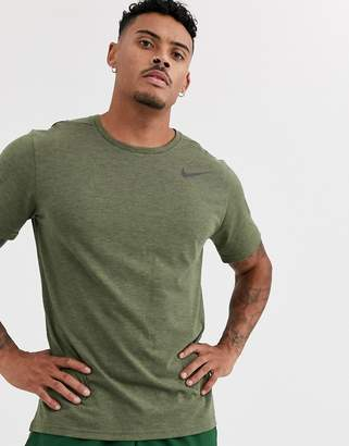 Nike Training pro HyperDry t-shirt in khaki-Green