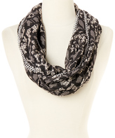 Betsey Johnson Ivory Chain Link Lace Attraction Infinity Scarf