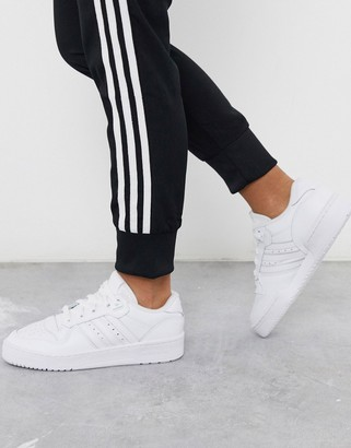adidas Rivalry Low sneakers in white