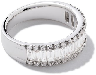 As 29 18kt white gold Essentials round and baguette diamond ring