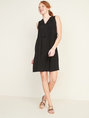 Old Navy Sleeveless Tie-Neck Swing Dress for Women