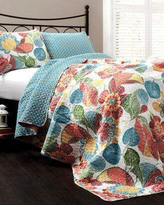 Triangle Home Fashion Layla Quilt Set