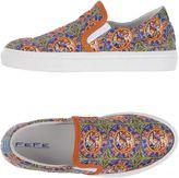 fe-fe Sneakers