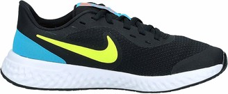 Nike Girls' Revolution 5 (GS) Running Shoe