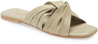 Matisse Genie Slide Sandal