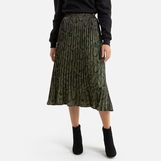 Molly Bracken Pleated Knee-Length Skirt in Snake Print