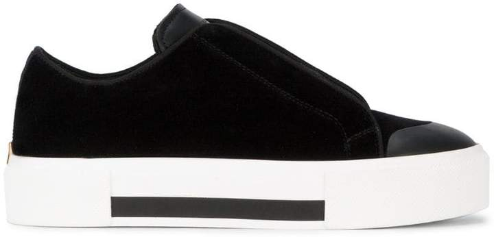 Alexander McQueen low cut lace-up sneakers