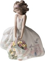 Lladro Wildflowers Figurine 01006647