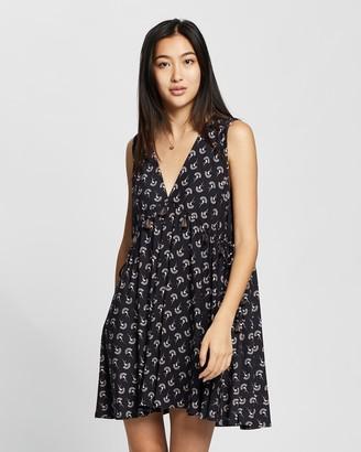 Tigerlily Andina Sleeveless Dress