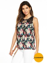 Very Pleated Lace Sleeveless Blouse