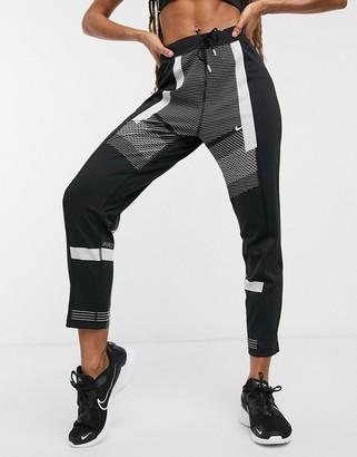 Nike Training Nike Pro Training sweatpants in black