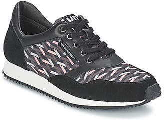 United Nude RUNNER women's Shoes (Trainers) in Black