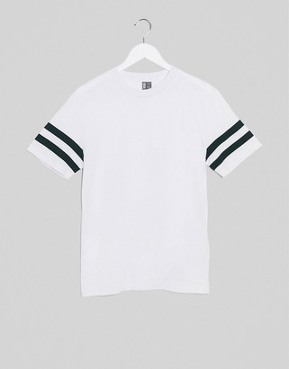 Asos Design DESIGN t-shirt with contrast sleeve stripes in white