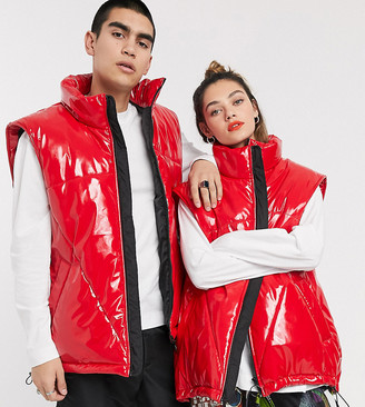 Collusion Unisex red vinyl puffer gilet in red