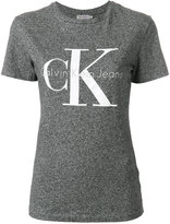 Calvin Klein Jeans logo print shrunken effect T-shirt - women - Cotton - XS