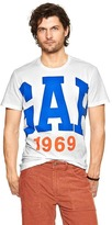 Gap Large arch logo t-shirt