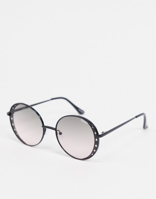 Quay Seeing Stars round sunglasses with cut out star detailing in black