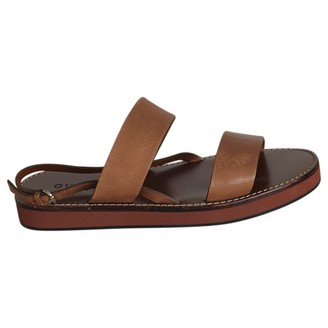 Gucci Camel Leather Sandals