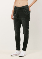 R 13 black marble x-over jean