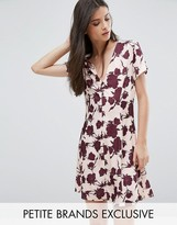 Alter Petite Button Front Short Sleeve Dress In Floral Print