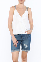 En Creme White Textured Sleeveless Top