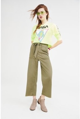 No Boundaries Juniors' Wide Leg Paperbag Pants with Self-Tie Belt