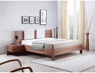 Casabianca Furniture Bay Standard Bed Size: Queen