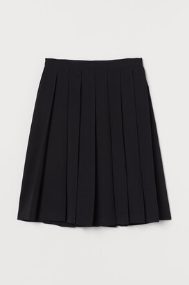 H&M Pleated Skirt - Black