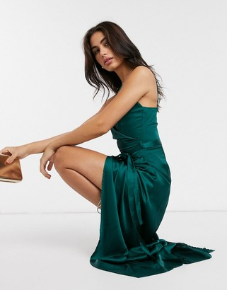 Liquorish slip dress with tie waist in forest green