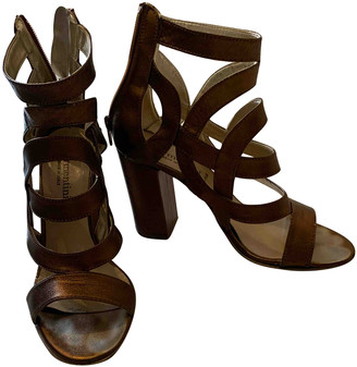Forme D�expression Forme D'expression Metallic Leather Sandals
