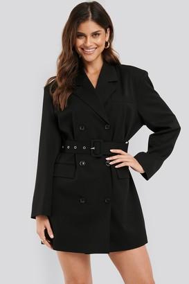 NA-KD Wide Shoulder Belted Blazer Dress
