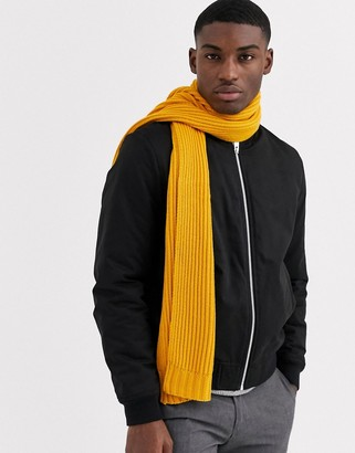 Moss Bros chunky knit scarf in mustard