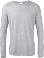 Closed plain sweatshirt