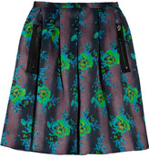 kelly ripa  Who made  Kelly Ripas suede blue pumps and rose black print skirt that she wore in New York?