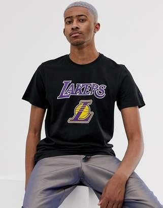 New Era NBA Los Angeles Lakers t-shirt in black