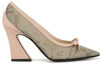 No.21 Floral Embroidered Pumps