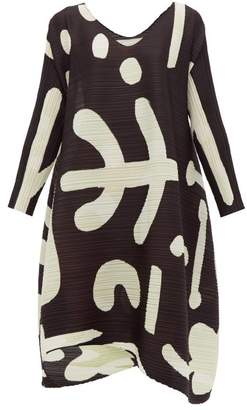 Pleats Please Issey Miyake Pause Abstract-print Plisse Dress - Womens - Black White