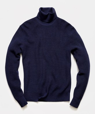 Todd Snyder Solid Ribbed Turtleneck in Navy
