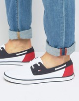 Tommy Hilfiger Harlow Canvas Boat Shoes