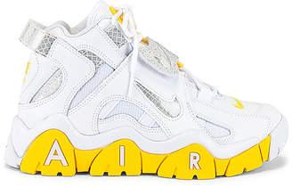 Nike Barrage Mid Sneaker