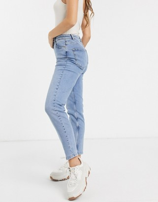 Pieces high waist mom jean in light blue