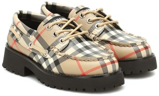 BURBERRY KIDS Vintage Check leather boat shoes