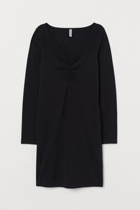 H&M V-neck Dress - Black