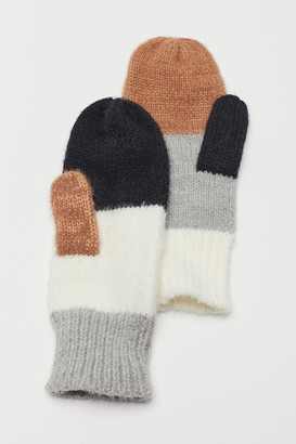 Urban Outfitters Colorblock Mitten