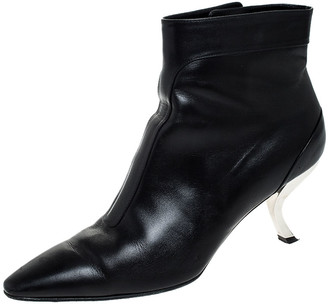 Roger Vivier Black Leather Virgule Ankle Boots Size 38