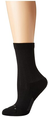 Feetures Texture Cushion Crew Sock (Black) Crew Cut Socks Shoes