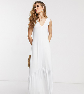 Asos Tall ASOS DESIGN Tall Exclusive v neck maxi dress with full pep hem in white