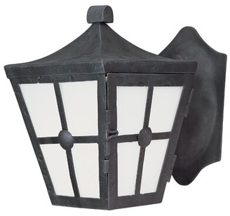 Longshore Tides Thomes 1-Light Outdoor Wall Lantern